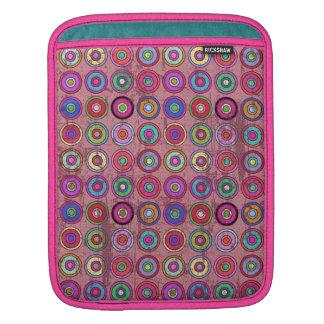 Grungy Pink Retro Circle Pattern iPad Sleeve