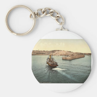 Guernsey, St. Peter's Port, arrival of boats, Chan Key Ring