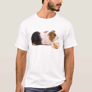 guinea pig eating year APPLE T-Shirt