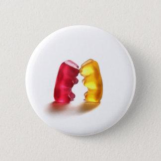 gummy bear kiss 6 cm round badge