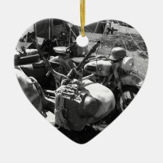 Gun carrying sidecar ceramic heart decoration
