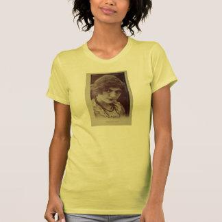 Gwendoline Pates vintage 1913 portrait Tshirt