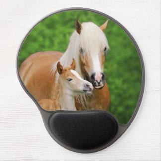 Haflinger Horses Cute Foal Kiss Mum - ergonomic Gel Mouse Mat