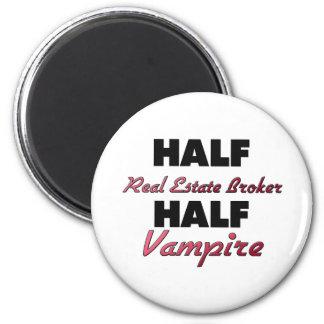Half Real Estate Broker Half Vampire 6 Cm Round Magnet