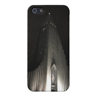 Hallgrimskirkja church at night iPhone 5 cover