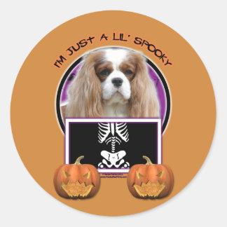 Halloween - Just a Lil Spooky - Cavalier -Blenheim Classic Round Sticker