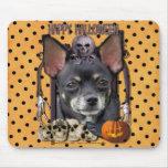 Halloween Nightmare - Chihuahua - Isabella Mousepad