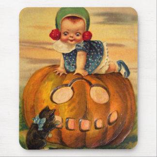 Halloween Retro Vintage Kitsch Pumpkin Cutie Mouse Pad