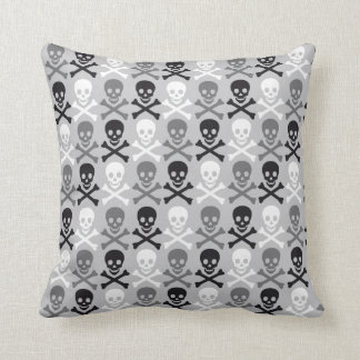 Halloween Skull pattern with crossbones Cushion