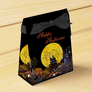 "Halloween tent style favor box ""Keep Running"""