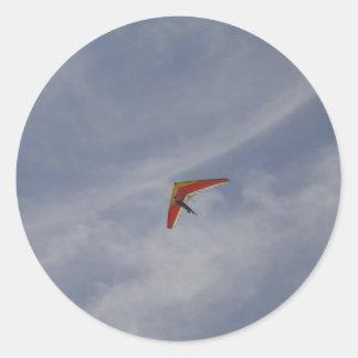 Hang glider round sticker
