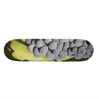 Hanging Grapes 21.6 Cm Old School Skateboard Deck