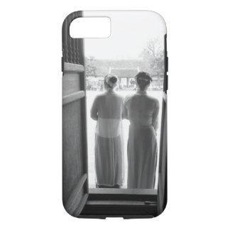 Hanoi Vietnam, Women in Traditional Dress Temple iPhone 8/7 Case