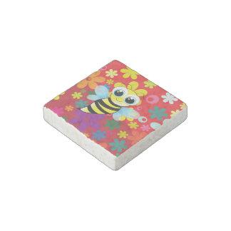Happy bee stone magnet