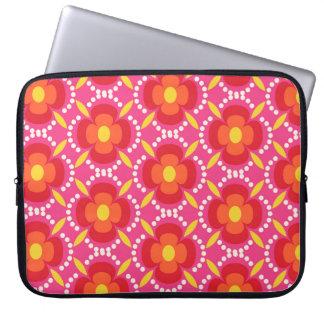Happy bright retro floral pink laptop sleeve