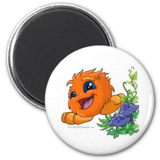 Happy orange JubJub in Neopia Central 6 Cm Round Magnet