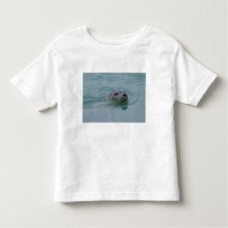Harbor Seal swimming in Jokulsarlon glacial lake Tshirts