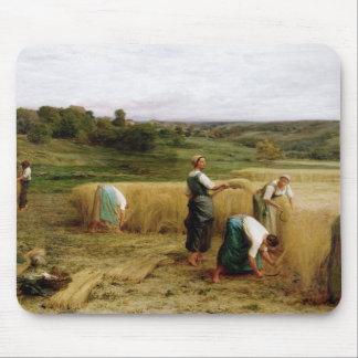 Harvest, 1874 mouse mat