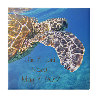 Hawaiian Sea turtle swimming Small Square Tile