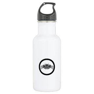 Head-on sea crab in circle 532 ml water bottle