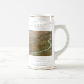 Healy Pass, Beara Peninsula, Ireland. Mugs