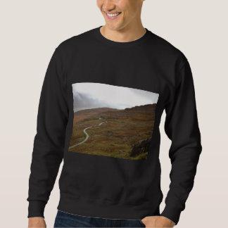 Healy Pass, Winding Road in Ireland. Pull Over Sweatshirt