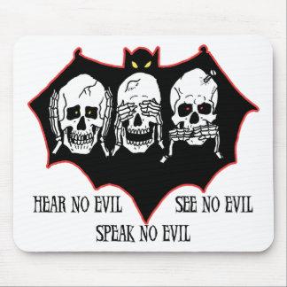 Hear no evil, see no evil, speak no evil Mousepad