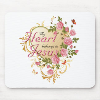 Heart belongs to Jesus Mousepads