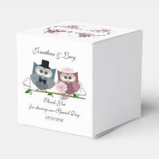 Heart Favour Box with Cute Wedding Owls Art
