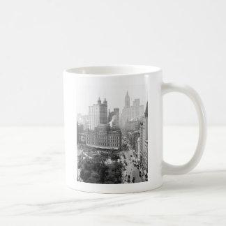Heart of New York City 1908 Mugs