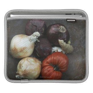Heirloom tomato, yellow onion, red onion, ginger sleeve for iPads
