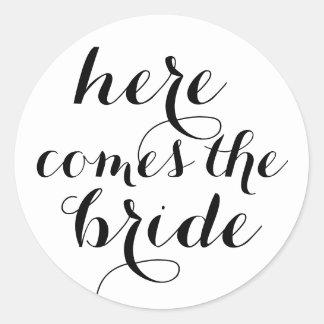 Here comes the bride round sticker
