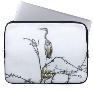 Heron on a tree laptop sleeve
