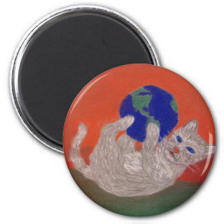 He's Got the Whole World in his Paws 6 Cm Round Magnet