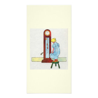 Hickory dickory dock The mouse ran up the clock Picture Card