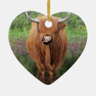 Highland cow ceramic heart decoration