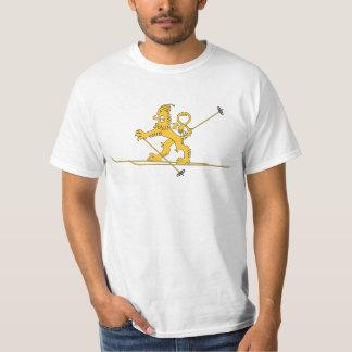 Hiihtävä suomileijona, pipo päässä, t-paita T-Shirt
