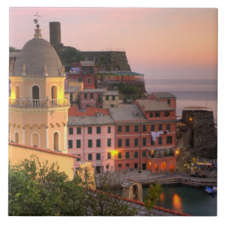 Hillside town of Vernazza in the evening, Cinque Tile