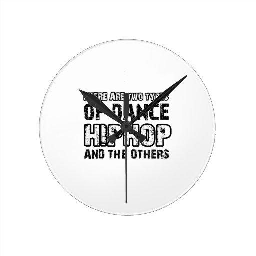 Hiphop dancing designs round clock