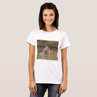 Hippo's kissing T-Shirt