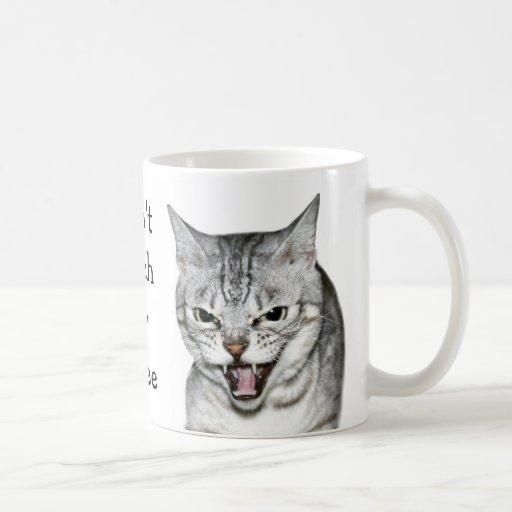 Hissing cat mug