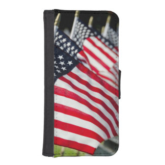 Historic military cemetery with US flags iPhone SE/5/5s Wallet Case