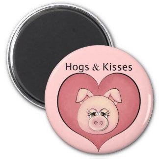 Hogs & Kisses 6 Cm Round Magnet