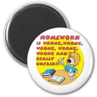 Homework is wrong! (boy) 6 cm round magnet