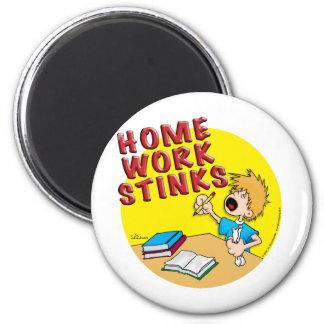 Homework Stinks! (boy) 6 Cm Round Magnet