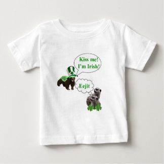 Honey badger v's meerkats baby T-Shirt