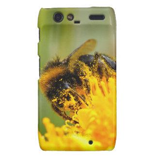 Honey bee and pollen motorola droid RAZR cover