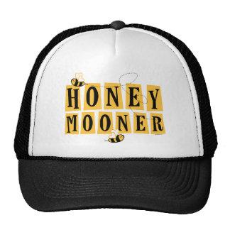 Honeymooner Bee Cap