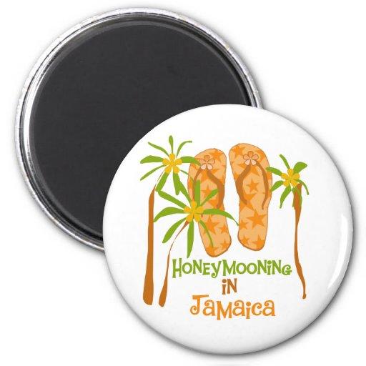 Honeymooning in Jamaica 6 Cm Round Magnet