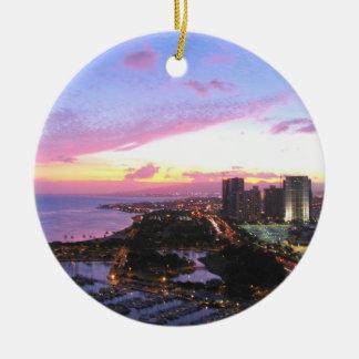 Honolulu cityscape Hawaii sunset Round Ceramic Decoration